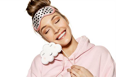 יישור שיניים בזמן השינה